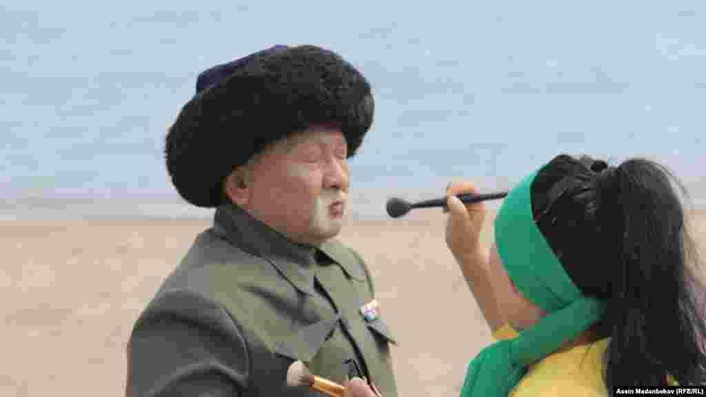 Тасмада негизинен Саякбай Каралаев менен Чыңгыз Айтматовдун жолугушуусу чагылдырылат.