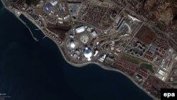 Снимок Олимпийской деревни в Сочи, сделанный со спутника.