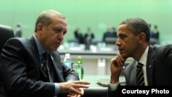 U.S. President Barack Obama (right) and his Turkish counterpart Recep Tayip Erdogan (left) spoke by phone on July 23.