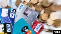 Совокупная доля американских компаний Visa и MasterCard на российском рынке платежных карт превышает 85%.