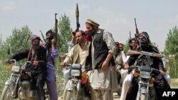 Местные ополченцы в провинции Логар активно помогают властям в вытесненнии талибов из своей провинции.