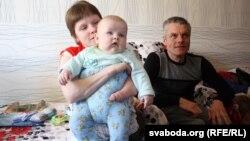 Ганна і Анатоль Бахуры з сынам Косьцікам
