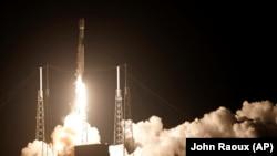 Запуск Falcon-9 с мыса Канаверал.