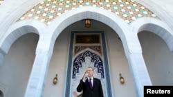 Төркия президенты Эрдоган Анкараның Эсенбога һава аланында мәчет ачылышында