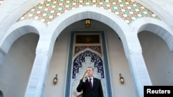 Президент Турции Эрдоган выступает в мечети в Анкаре
