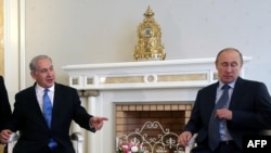 Israeli Prime Minister Benjamin Netanyahu (left) met with Russian President Vladimir Putin in Sochi on May 14.