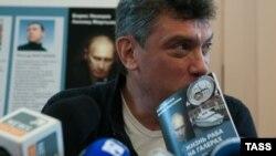 «Її намагаються засадити у в'язницю навіки, тому що вона небезпечний політичний противник Януковича»