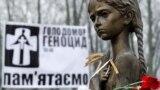 Під час вшанування жертв Голодомору-геноциду в Україні 1932–33 років (архівне фото)