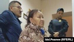 Приставы не пускают в суд мать Айрата Дильмухаметова