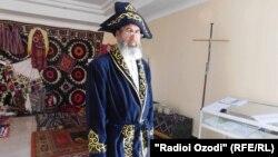 Саиджалол Каримзода, поэт из Фархорского района Таджикистана.