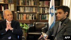 Israeli President Shimon Peres meets with Caspian Makan in Jerusalem on March 22.
