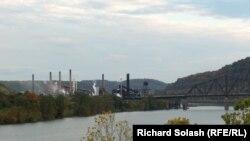 АКШ -- Огайо дарыясынын жээгиндеги Стубенвил шаары.