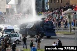 Minsk, tunuri de apă împotriva protestatarilor, 4 octombrie 2020