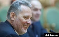 Схоже, за шість років Фірташ не тільки не втратив статус українського олігарха, а й може повернути політичний вплив в Україні