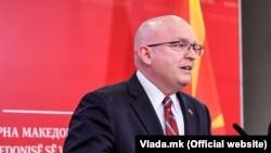 Вршителот на должност помошник државен секретар на САД Филип Рикер.