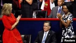 Mit Romni na imenovanju za predsjedničkog kandidata u Tampi sa suprugom En i bivšim državnim sekretarom Kondolizom Rajs, 28. avgust 2012.