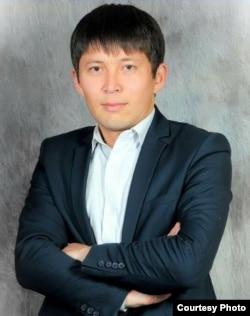 Жолдошбек Бөтөнөев (Ботоноев), тарых илимдеринин кандидаты, ОшМУнун доценти.