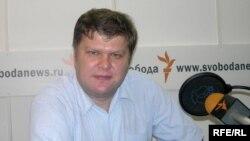 Перенесенный на лето съезд партии примет, по мнению Митрохина, более адекватные решения с учетом новых обстоятельств
