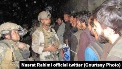 آرشیف، زندانیان رها شده از یک زندان طالبان توسط نیروهای امنیتی افغان