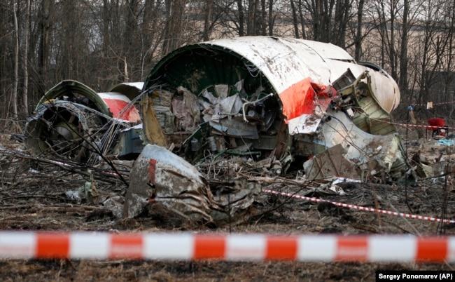 На месте «Смоленской катастрофы», 11 апреля 2010 года
