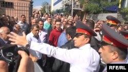 Առևտրականների բողոքի ցույցը Կառավարության շենքի դիմաց, Երևան, 25-ը սեպտեմբերի, 2014թ․