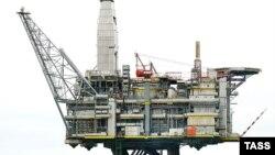 Илустрација: Нафтена платформа.