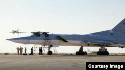 Російський літак на іранській базі «Хамадан»