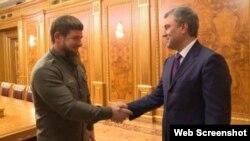 Глава Чечни Рамзан Кадыров со спикером Госдумы Вячеславом Володиным (архивное фото)