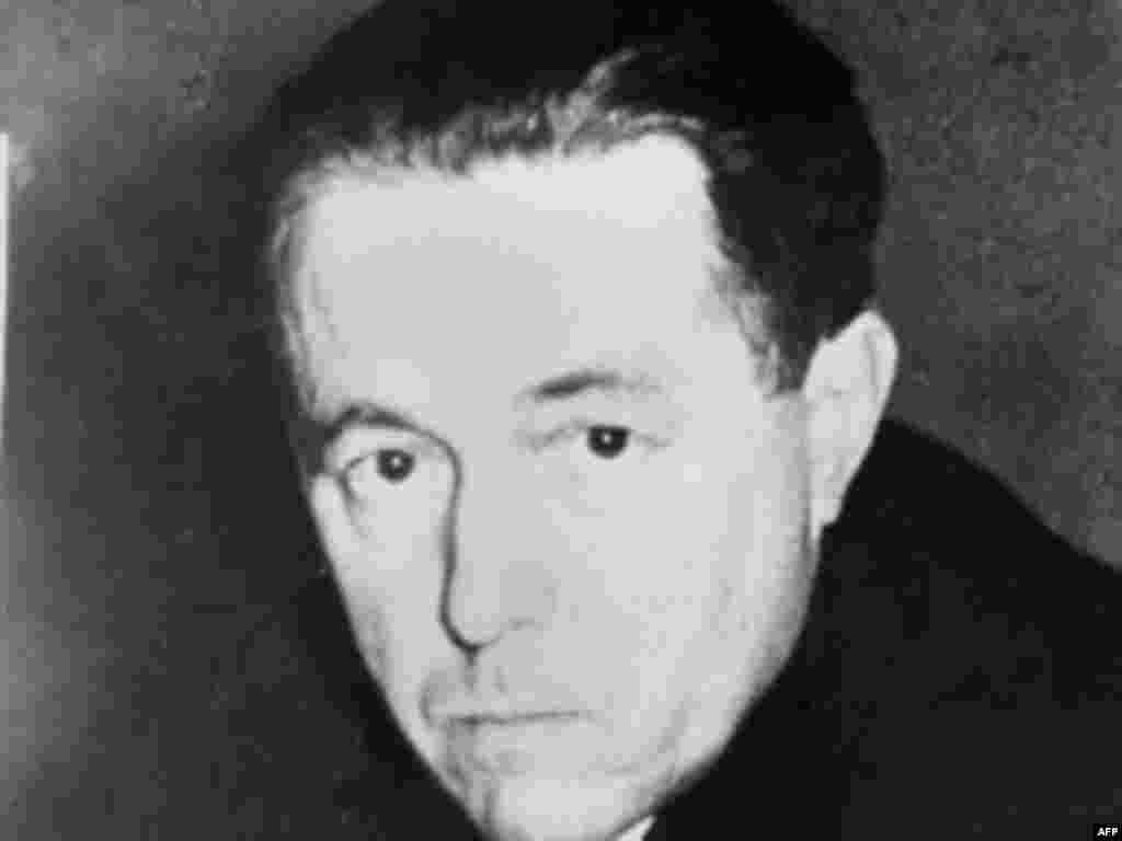 The son of intellectuals, Aleksandr Solzhenitsyn was born in Kislovodsk, southern Russia, in 1918. Shortly after graduating in mathematics and physics he joined the Soviet war effort.