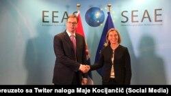 Pamje nga një takim i mëparshëm Mogherini - Vuçiq në Bruksel