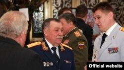 Александр Мигушов (в центре) в 2007-2018 гг. возглавлял следственное управление СКР по Чувашии