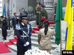 Телохранительницы Каддафи во время визита в Украину. Киев, 4 ноября 2008 года.