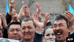 Qırğızıstan müxalifəti martın 17-də də hökumət əleyhinə etiraz nümayişləri keçirmişdi
