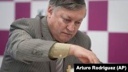 Экс-чемпион мира по шахматам Анатолий Карпов