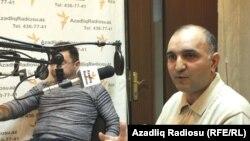 Elnur Astanbəyli (solda) və Azər Qaraçənli, Azadlıq Radiosunun Bakı bürosu, 13 yanvar 2011