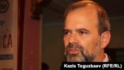 Кеннет Фэйрфакс, посол США в Казахстане. Алматы, 14 июня 2012 года.
