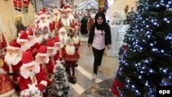 Один из торговых центров Багдада накануне праздника Рождества Христова