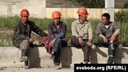 Қытай жұмысшылары. (Көрнекі сурет)