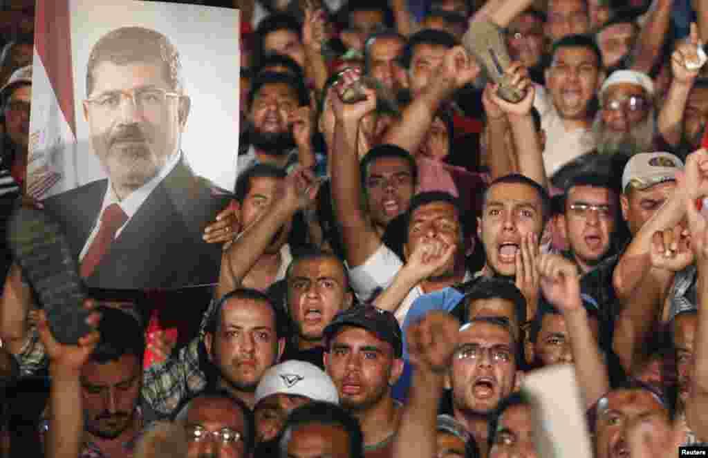حامیان محمد مرسی در قاهره- ۱۲ تیرماه ۱۳۹۲