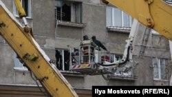 Спасательные работы в доме в Магнитогорске 5 января 2019