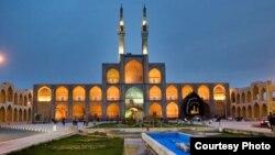 میدان تاریخی و گردشگری امیرچخماق یزد