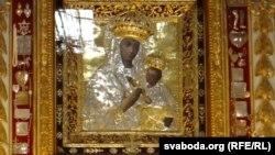 После августовской войны 2008 года люди пересказывали свидетельства того, что Дева Мария не оставляла Цхинвал в самые тяжелые для него дни