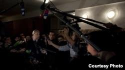 Журналисты берут интервью у Сергея Багапша