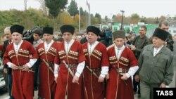 Равнение на Россию. Наблюдатели не видят существенных различий во внешнеполитических программах оппозиционных и проправительственных партий Абхазии