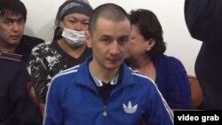 Алматинец Шухрат Кибиров, привлеченный к суду после «слушания» нашидов, на суде по его делу. Алматы, 28 сентября 2017 года.