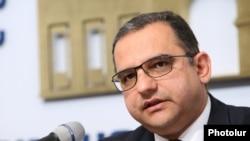 Министр экономики Армении Тигран Хачатрян, 3 апреля 2020 г.