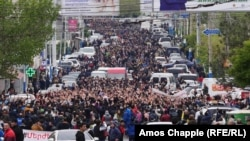 Marches, More Arrests On Ninth Day Of Protests In Yerevan