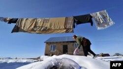 Кыргызстанда ажырашуудан аялдар көп жабыр тартаары айтылып келет. Сүрөттүн макалага тиешеси жок