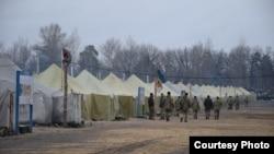 Наметове містечко на полігоні, фото прес-служби оперативного командування «Схід»