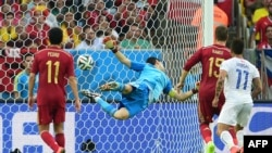 Безсилий Ікер Касільяс у матчі з чилійцями